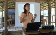ElefantAsia Vatsana Chanthavong introducing new 'elephant passport' to Lao mahouts